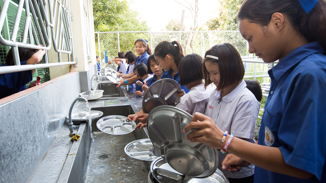school essays on cleanliness Access to over 100,000 complete essays and term papers personal hygiene and cleanliness is a very important part of life high school 2.